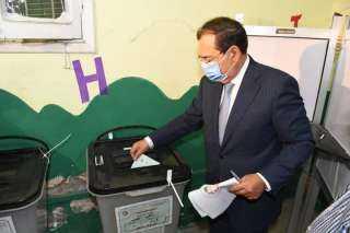 مع بدء مارسن انتخابات مجلس الشيوخ .. وزير البترولى يشارك بأداء صوته داخل احدى اللجان الانتخابية