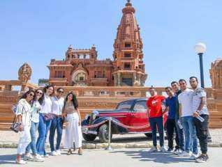 تنظيم رحلة لطلاب التعليم بالخارج لقصر البارون