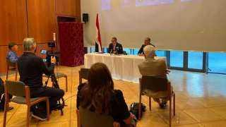 «العناني» يعقد اجتماعاً ثنائياً مع رئيس لجنة السياحة بمجلس النواب الألماني
