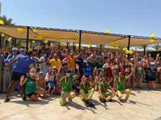 """""""مملوك"""" ينشط السياحية بـ""""المانجا"""" بمشاركة السياح الأجانب والمصريين بالغردقة"""