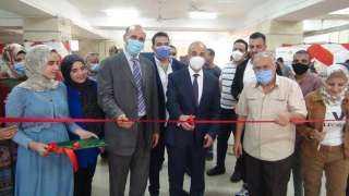 الدكتور عثمان شعلان يفتتح معرض شعاع الخير بكلية التجارة