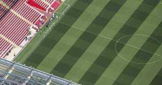 """في دورى الأبطال .. ليفربول """"ممنوع"""" من اللعب على أنفيلد"""