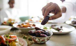 5 أطعمة تمنع العطش في رمضان