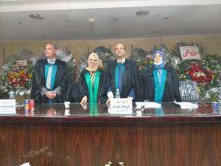 الدكتورة أميرة محمد إبراهيم تحصل على درجة الدكتوراة من كلية التجارة English بجامعة الزقازيق (صور)