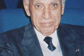 وفاة المخرج السينمائي صلاح أبو سيف 22 يونيو 1996
