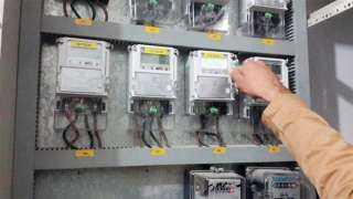 تعرف على كيفية تغيير عداد الكهرباء التقليدي بمسبق الدفع