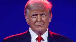 ترامب يطلق شبكة تواصل اجتماعي جديدة باسم تروث سوشيال بعد حظر حساباته.