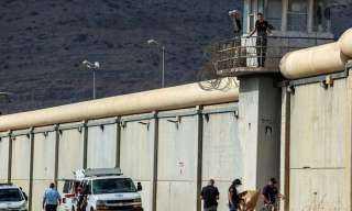 نادى الأسير : قوات إسرائيلية خاصة تقتحم سجن جلبوع وتعتدي على السجناء
